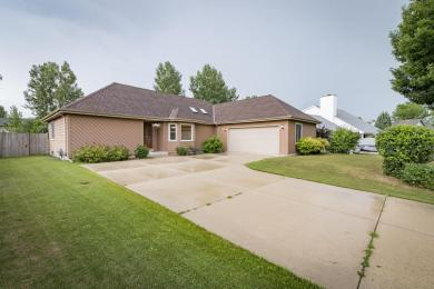 1409 Maple Ct, Port Washington, WI 53074