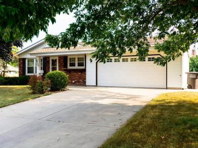 4155 W Alvina Ave, Greenfield, WI 53221