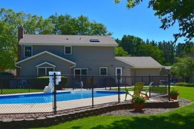 W236N6185 Pine Ter, Sussex, WI 53089
