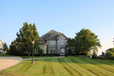 Photo of 18945 Chimney Rock Ct, Brookfield, WI 53045