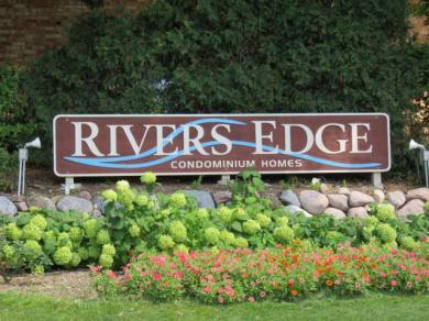 4050 W Rivers Edge Cir, Brown Deer, WI 53209