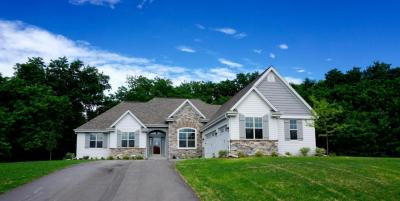 Photo of S38W27138 Cider Hills Dr, Waukesha, WI 53189