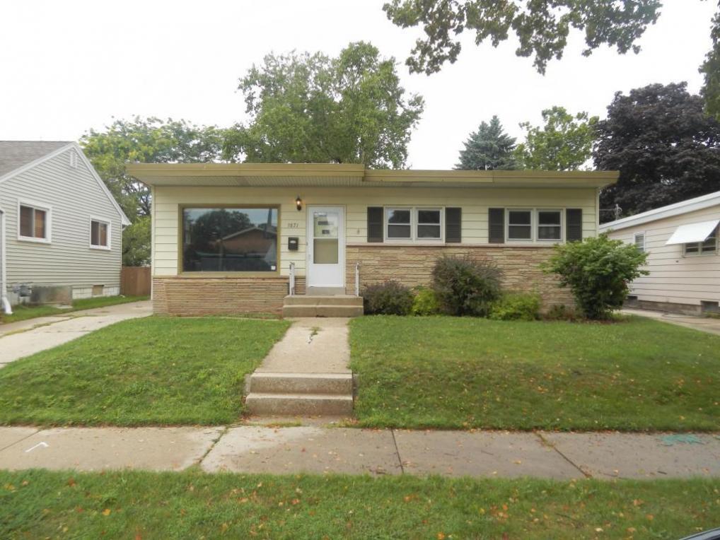 3871 N 83rd St, Milwaukee, WI 53222