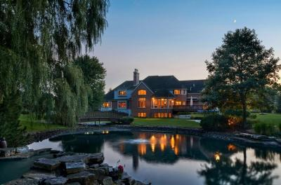 Photo of 9724 N Columbia Dr, Mequon, WI 53092