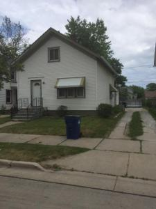 1129 Center St, Racine, WI 53403