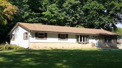 2040 E Forest Hill Ave, Oak Creek, WI 53154