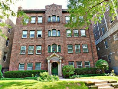 1924 N Prospect Ave, Milwaukee, WI 53202
