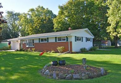 443 Fairview Ct, Hartland, WI 53029