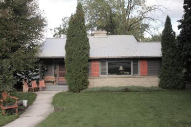 2020 Monroe St, New Holstein, WI 53061
