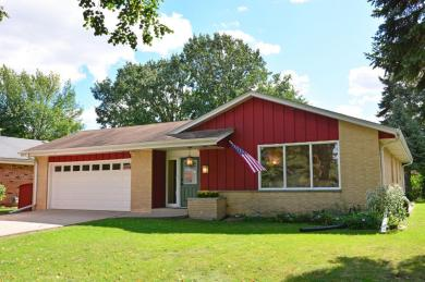9837 W Marion St, Wauwatosa, WI 53222