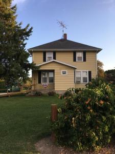 1243 Fond Du Lac Ave, Sheboygan Falls, WI 53085
