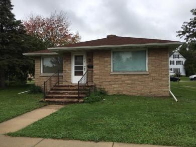 319 N Main St, Mayville, WI 53050