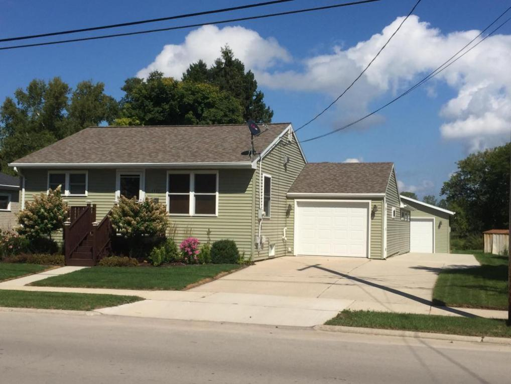 1711 Hawthorne Ave., Two Rivers, WI 54241