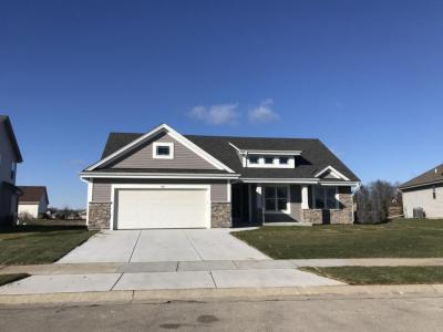 Photo of 564 Yosemite Ave, Hartford, WI 53027