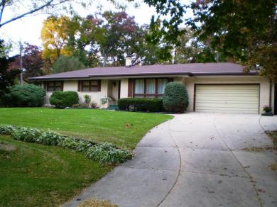 16810 Meadow View, Brookfield, WI 53005