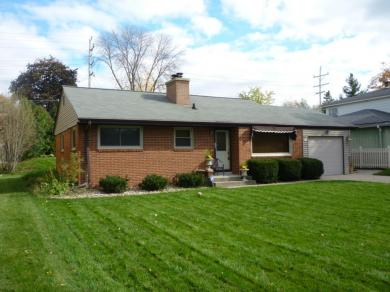 4218 N 93rd St, Wauwatosa, WI 53222