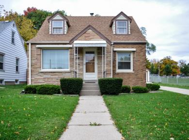 8726 W Lincoln Ave, West Allis, WI 53227