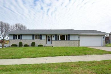 96 Summit St, Hartford, WI 53027