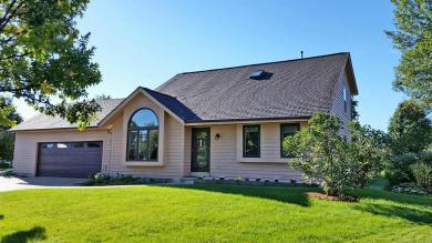 W248N5911 Trapp Ct, Sussex, WI 53089