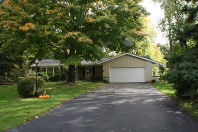 19305 Cromwell Ct E, Brookfield, WI 53045