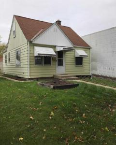1911 S 69th St, West Allis, WI 53214