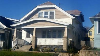 336 E Dover St, Milwaukee, WI 53207