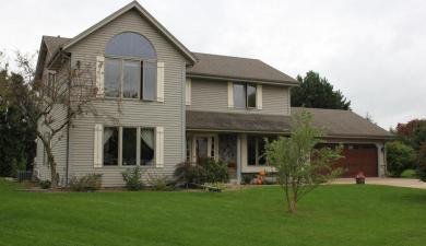 W246N5924 Grouse Ct, Sussex, WI 53089