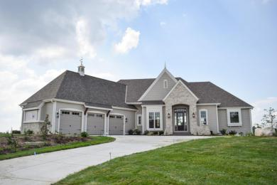 1620 Whistling Hill Cir, Hartland, WI 53029