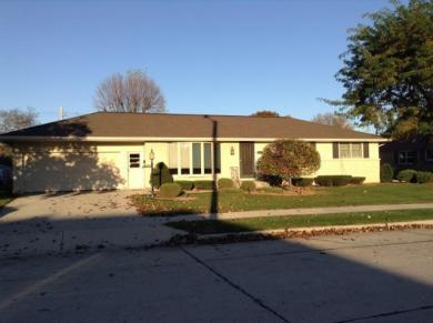 1614 Cherry Rd, Manitowoc, WI 54220