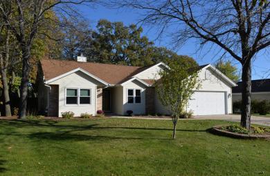 10360 S Ashley Ln, Oak Creek, WI 53154