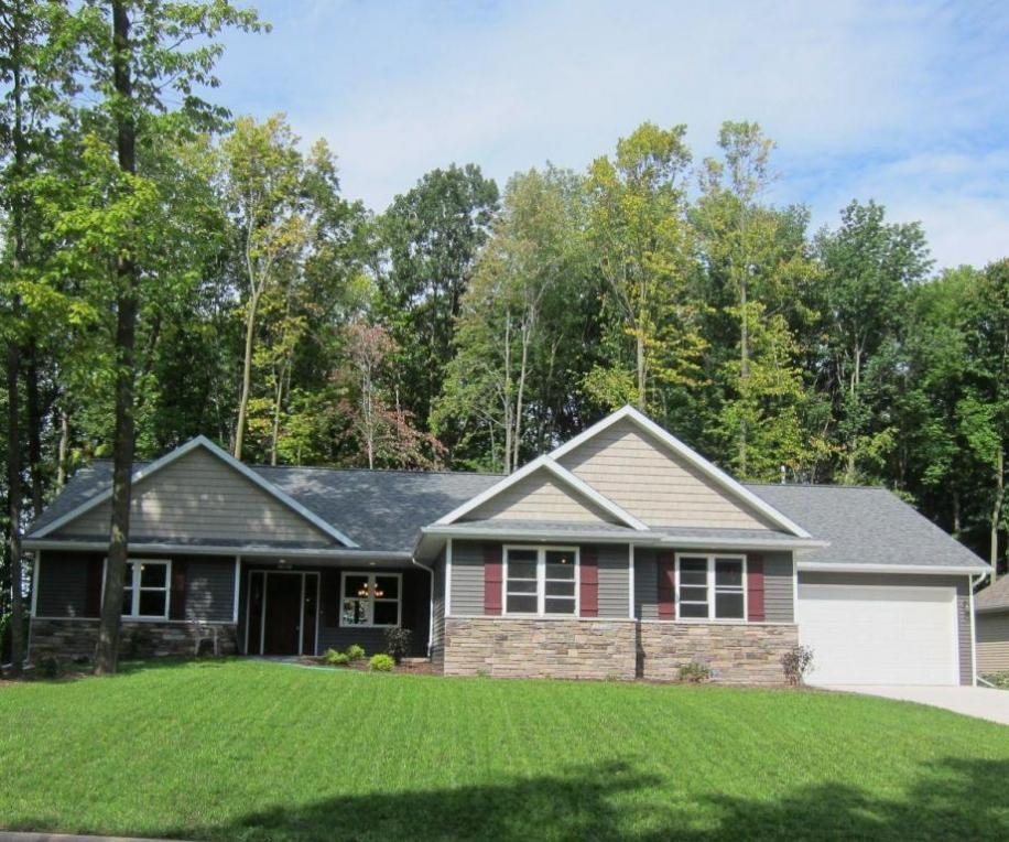 498 Oriole Ln, Howards Grove, WI 53083