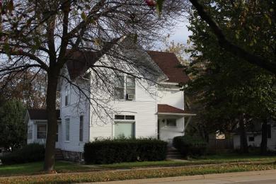 206 E Main St, Cambridge, WI 53523