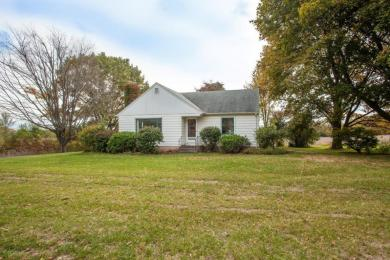 12001 W Donges Bay Road, Mequon, WI 53097
