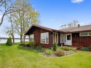 2806 Lakeshore Way, Twin Lakes, WI 53181