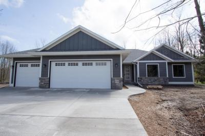 Photo of 1711 Andrae Cir, Sheboygan, WI 53081