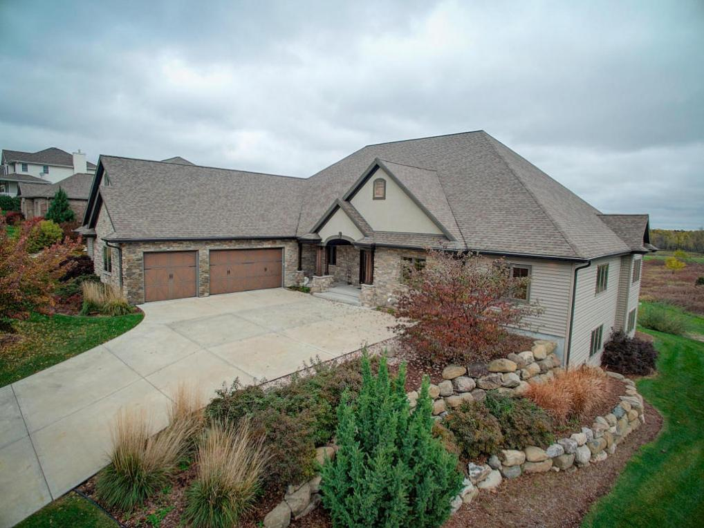 726 Pinnacle Dr, Lake Mills, WI 53551