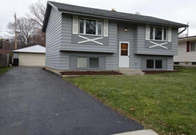5549 S 42nd St, Greenfield, WI 53221
