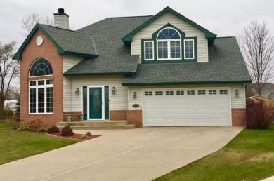 10425 W White Manor Ct, Caledonia, WI 53126
