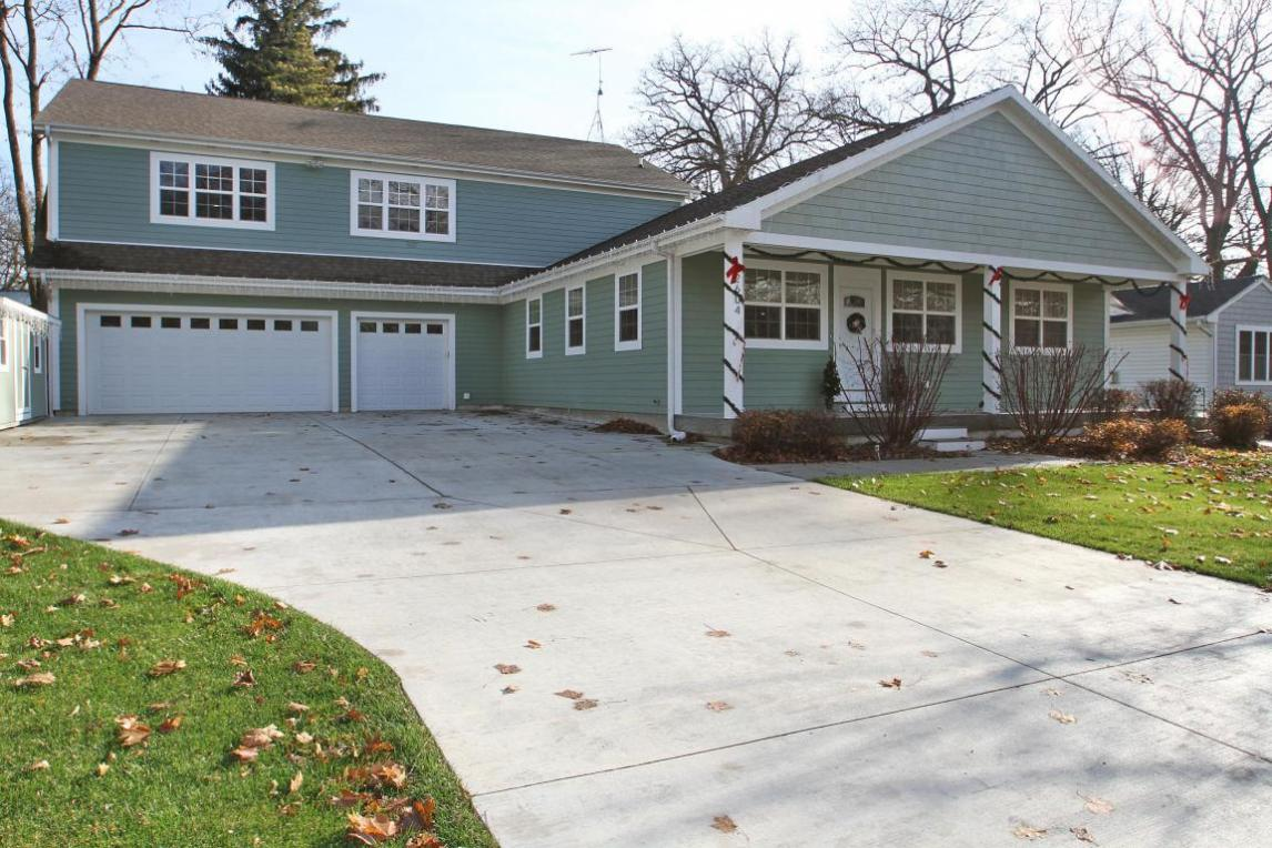 2604 South Shore Dr, Delavan, WI 53115