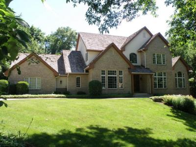 Photo of 19455 Buckingham Pl, Brookfield, WI 53045