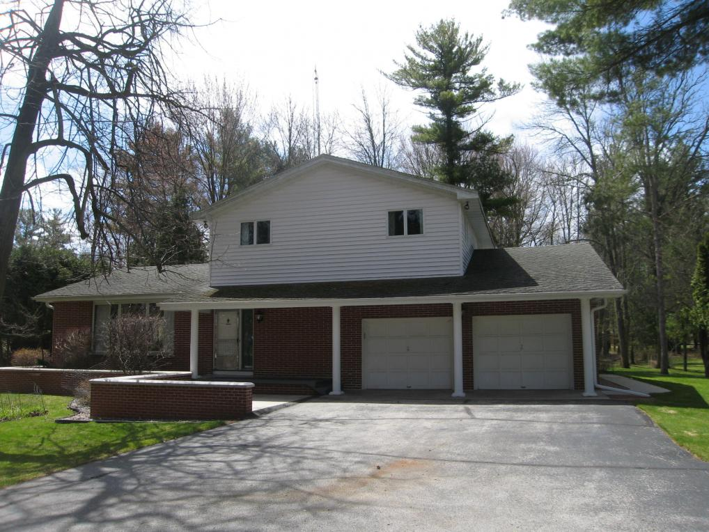 3208 Mishicot Rd, Two Rivers, WI 54241
