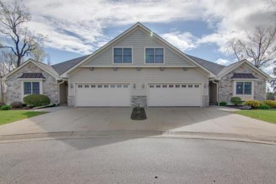 Photo of 920 Foxland Pl, West Bend, WI 53095