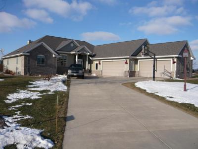 Photo of N67W35857 W Stonewood Dr, Oconomowoc, WI 53066
