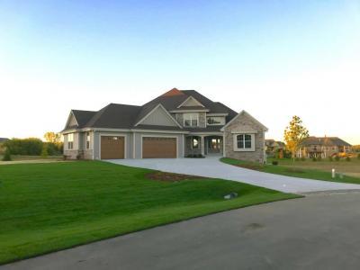 Photo of N32W29560 Woodridge Ct, Delafield, WI 53072