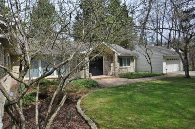 Photo of 1612 E Dean Rd, Fox Point, WI 53217