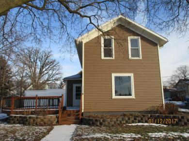 315 S 7th St, Watertown, WI 53094