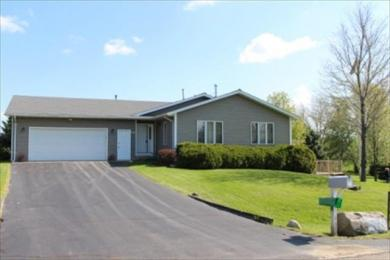 606 Pinehurst Ct, Twin Lakes, WI 53181