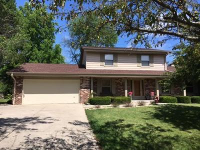 Photo of 10048 W Meadow Dr, Greenfield, WI 53228