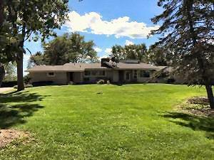 Photo of 4525 W Oakwood Rd, Franklin, WI 53132