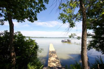 Photo of 576 Lac La Belle Dr, Lac La Belle, WI 53066